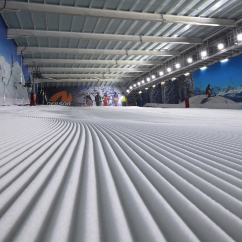 the snow centre, indoor ski uk, ski dome uk,